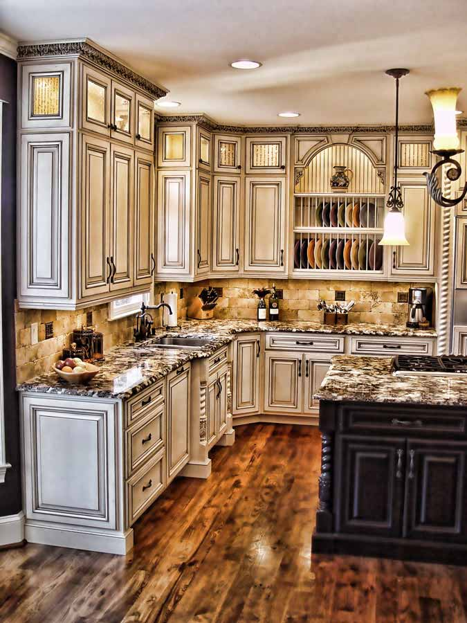 Antiqued kitchen crown molding for White kitchen cabinets with crown molding