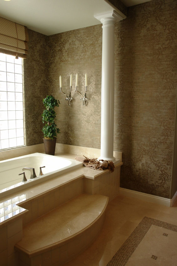 Jacuzzi Bath With Column